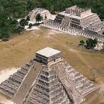 Imagen de Chichen Itza (Pirámide escalonada y templo), península del Yucatán