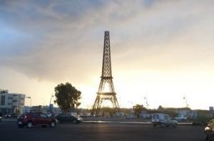 Torre Eiffel en Fez, Marruecos